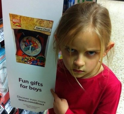 Tesco 'gifts for boys' sign removed after girl's complaint